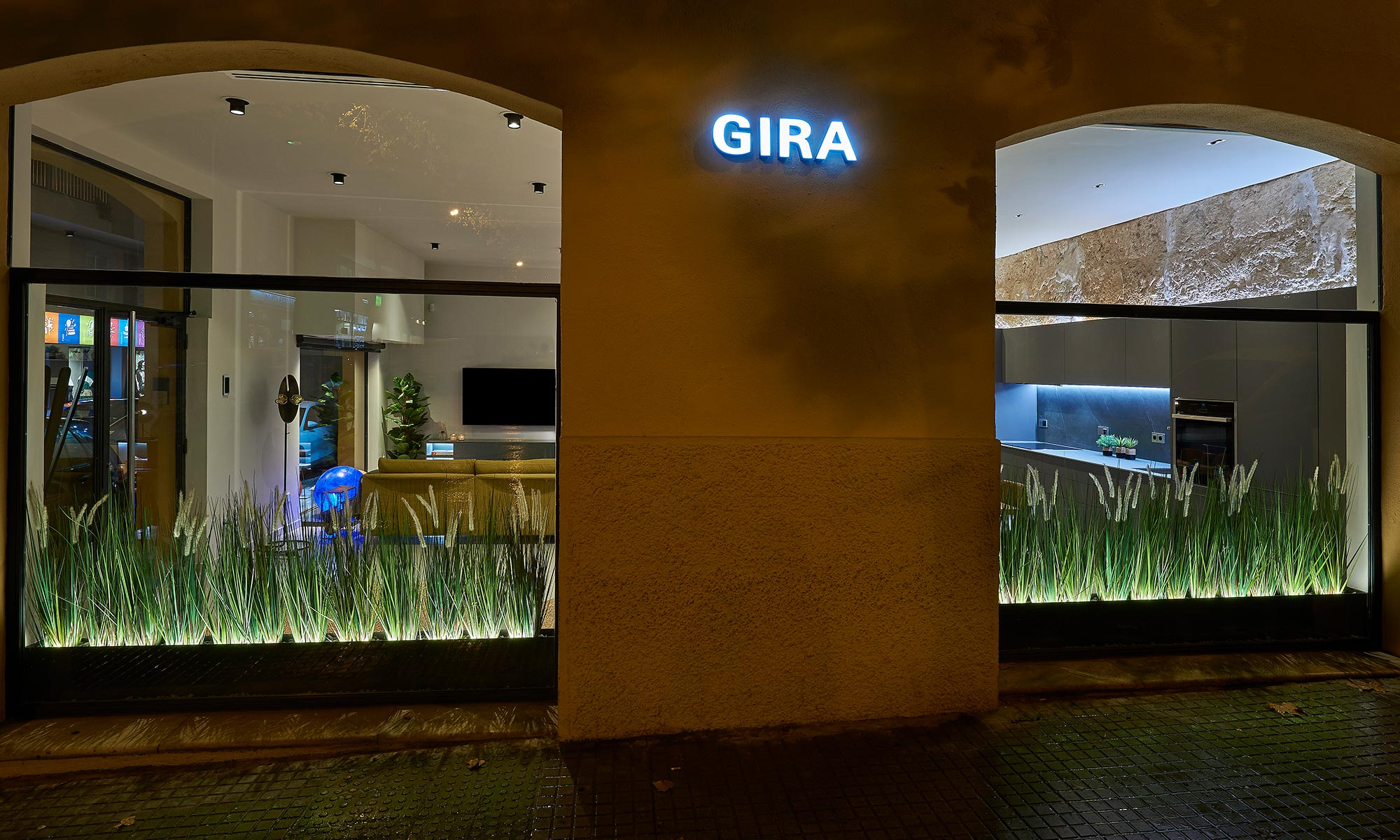 Gira Showroom in Palma